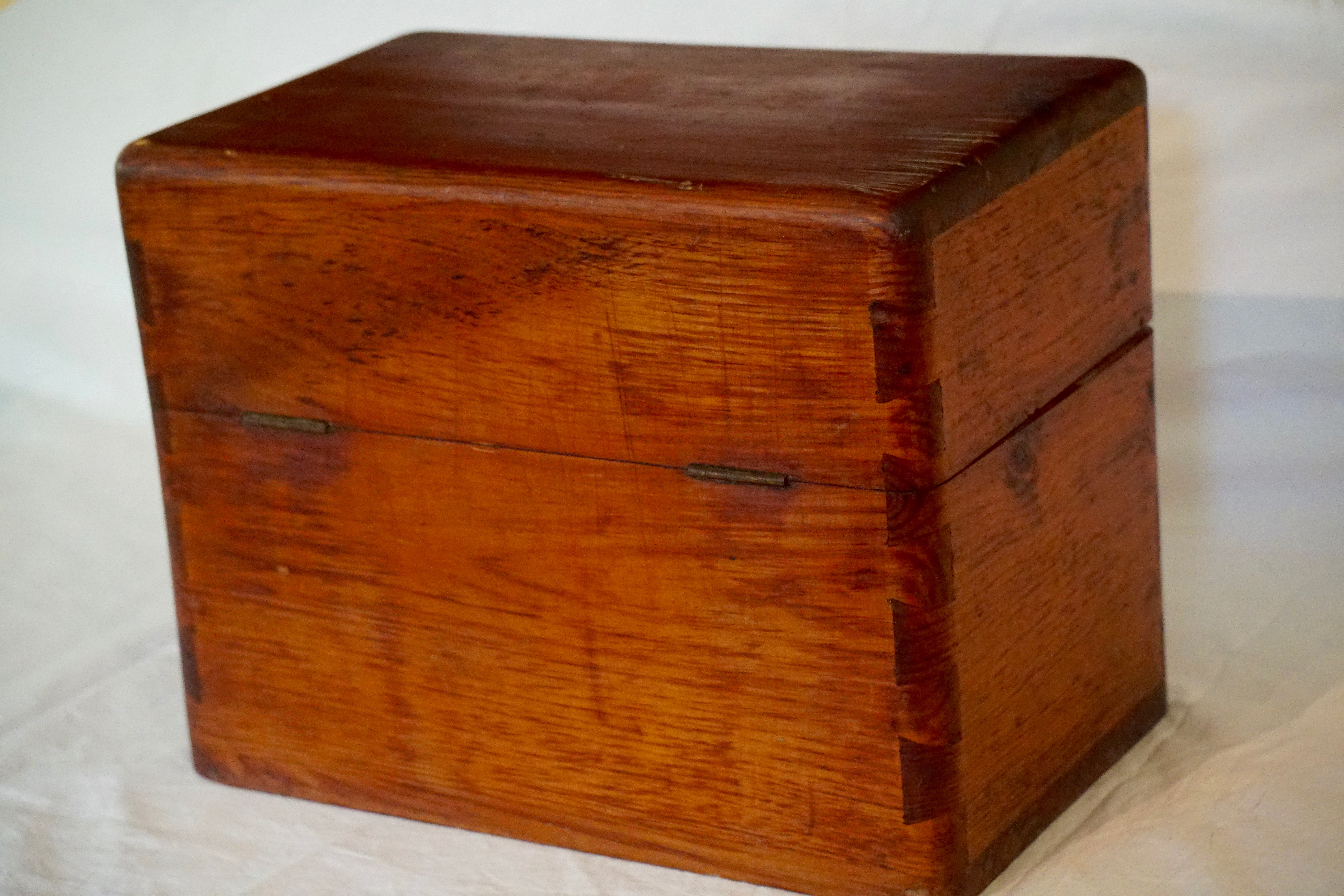 Breadfruit wood latched box